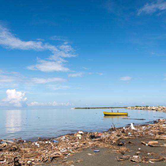 Playa y basura